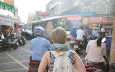 Travelling alone: how do you go about it ?